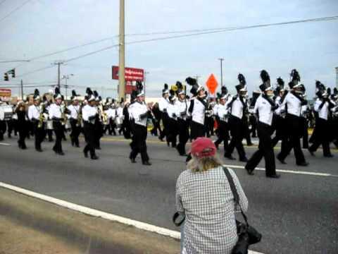 Warner Robins GA Christmas Parade - Santa is Comin to Town in ...