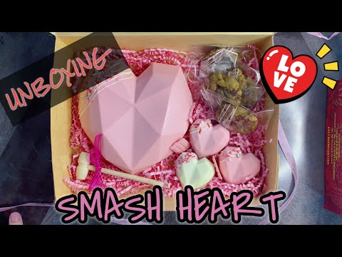 #1 FoodieFred Food Unboxing - Smash Heart Gift Box