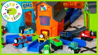 THOMAS MINI BOOST AND BLAST! Thomas and Friends Fun Toy Trains for Kids