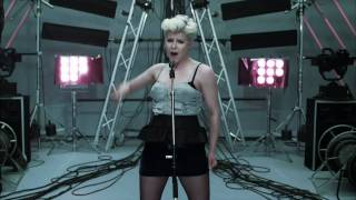 Dancing On My Own - Robyn