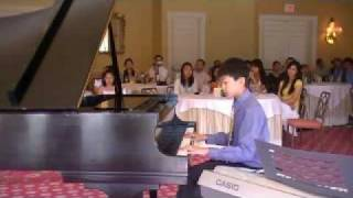 Anthony Liu playing Moonlight Fantasy by Melody Bober