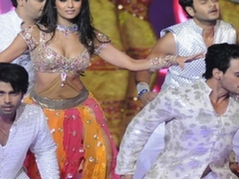 Star Plus's Saath Nibhana Sathiya Gopi in a HOT Item Song on Big Television Awards 2011
