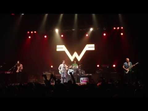 "WEEZER ""BUDDY HOLLY (ENCORE)"" LIVE SJSU 10/2/14 HD"