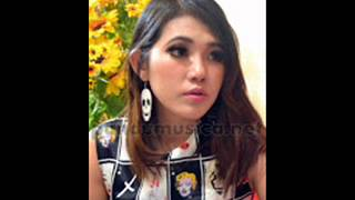 Rude MAGIC Via Vallen OM SERA Live Wisma Semen Gresik 2015