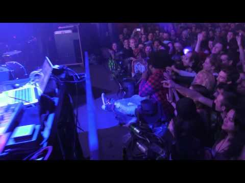 FLYING LOTUS w/ THUNDERCAT - OH SHIET, IT'S PARIS - LIVE @ YOYO PALAIS DE TOKYO - 12.14.2013
