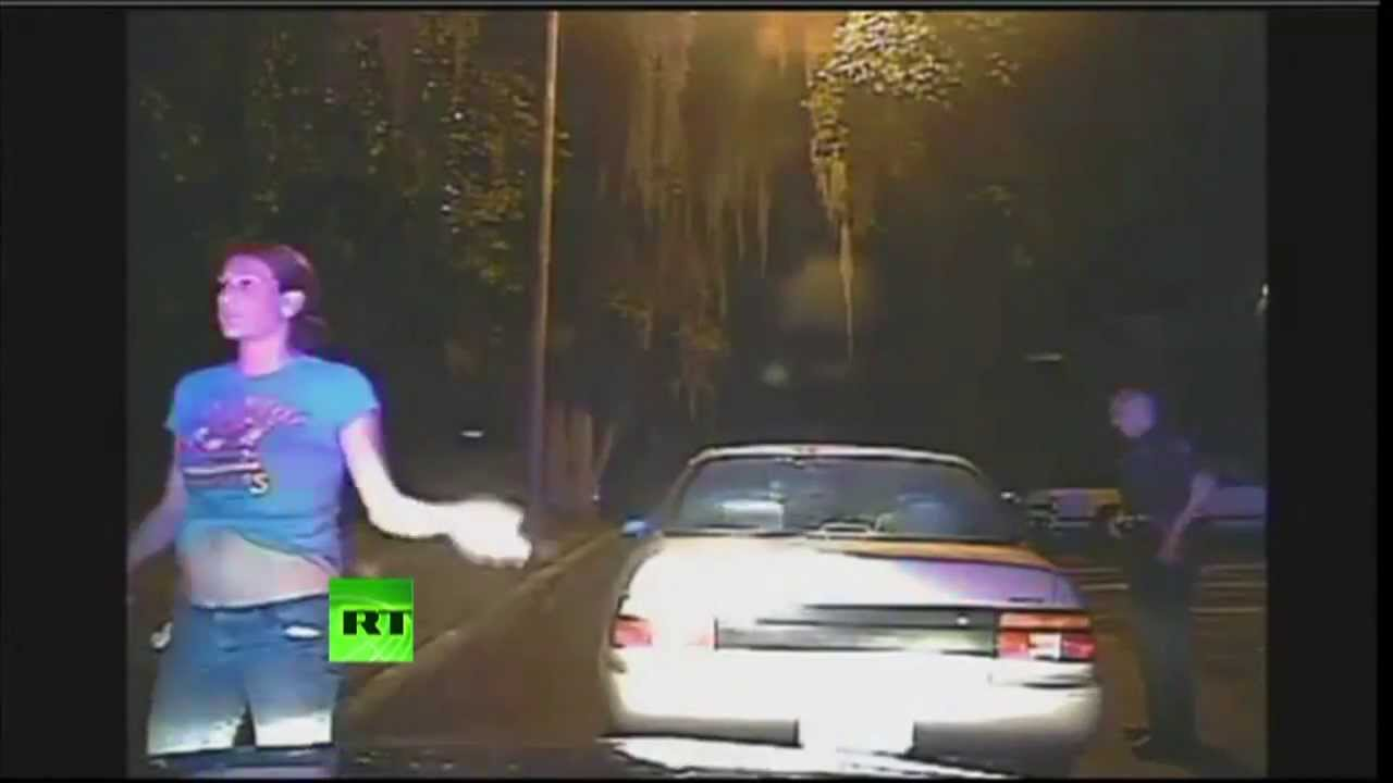 Cops Force Woman To Shake Her Bra During Traffic Stop -9553
