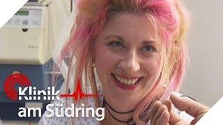 Krasser Lachflash: Wieso lacht sie, obwohl sie nicht mehr lange lebt?   Klinik am Südring   SAT.1 TV