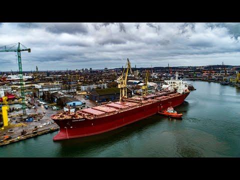 Jeden z największych masowców samowyładowczych na świecie przeszedł remont w stoczni Remontowa