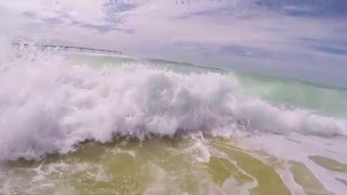 Beautiful Ocean Waves set to classical piano music