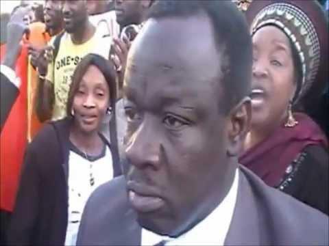 Capitaine Amadou Haya Sanogo - Les maliens contre le BLAKORO FANGA