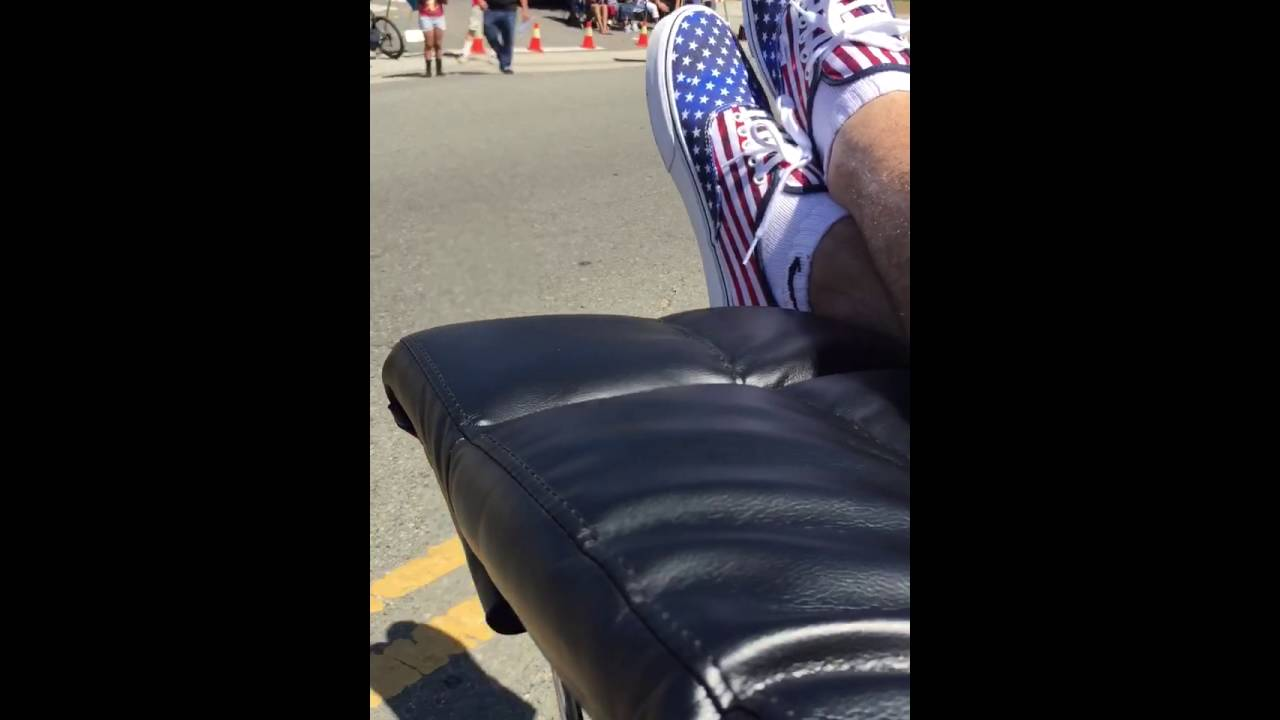 Jeromeu0027s Furniture Motorized Recliner In Coronau0027s Independence Day Parade  July 1016