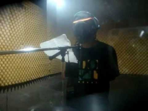 John Holt voicing a dubplate - Kaya Sound dubplates service (Kingston,Jamaica)