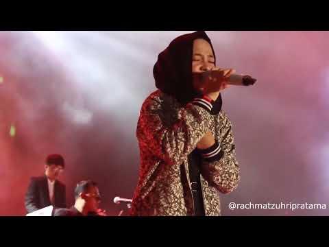 nissa-sabyan---deen-assalam-(live-konser-indonesia-sejuk)