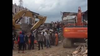 Proses Evakuasi Korban Gempa Aceh, Pidie Jaya