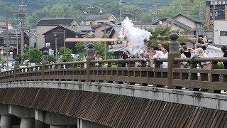 まちの平穏を願い行列巡幸 京都・宇治で大幣神事