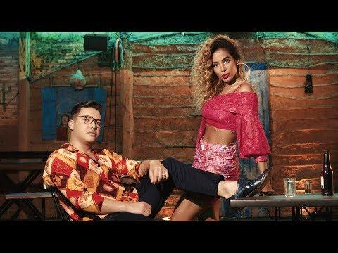 Wesley Safadão e Anitta - Romance Com Safadeza(Clipe Oficial)