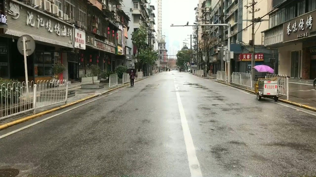 China coronavirus: Empty streets of Wuhan | AFP - YouTube