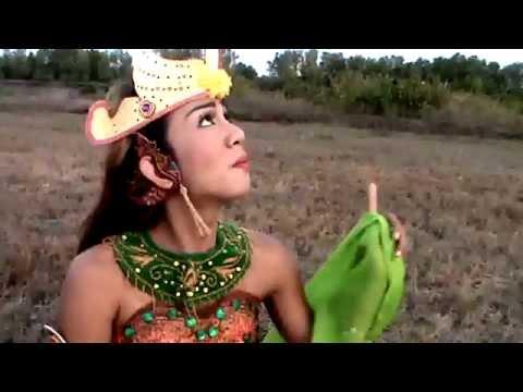 Panah Asmara Panah Paneser - Ira Faramesti di Gunung Puteri Tidur Situbondo by Rika Farida