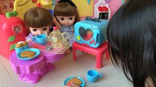 レミンちゃんソランちゃんにお菓子をあげよう!!アリスのスイートティーパーティーセットでごっこ遊び remin&solan Alice's suite Tea Party Toy