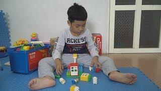 Bé Minh Chơi Lắp Ráp Lego - Đồ Chơi Lego Sáng Tạo Cho Bé - Bé Minh MN Toys