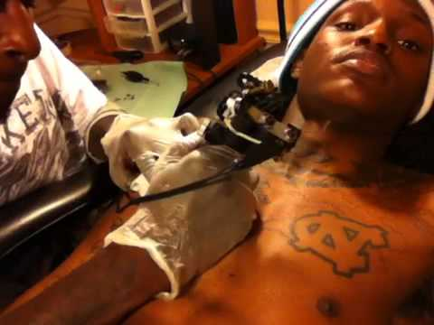 EAZY GETTING TATTED AT TATTOO RENAISSANCE CHARLOTTE, NC - YouTube