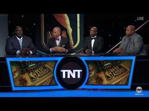 Draymond Green and Stephen Curry win the 2017 NBA Assist of the Year Award | NBA on TNT