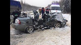 Машина со студентами, ехавшими на похороны подруги, попала под грузовик
