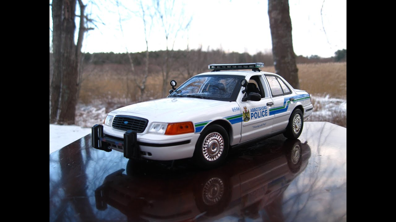 1 18 ford crown victoria abbotsford bc police car by motormax youtube