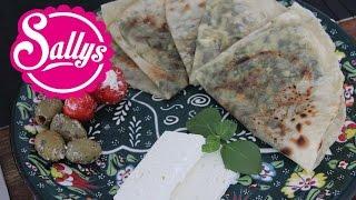 Gözleme mit Spinat und Schafskäsefüllung selber machen / türkische Spezialität / auch vegan möglich!