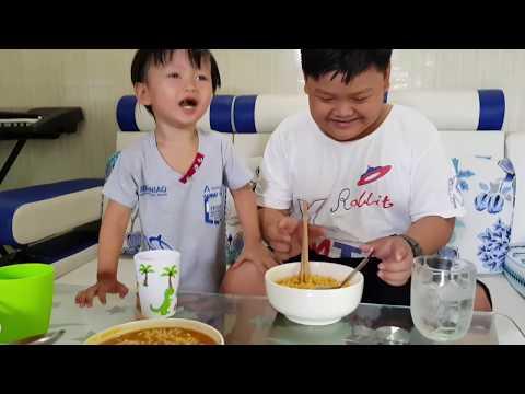 Trò Chơi Thử Thách Tin Và Anh Hai Ăn Mì Cay Cấp Độ   Kids Toy Media