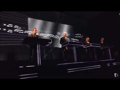 Kraftwerk - Hall Of Mirrors