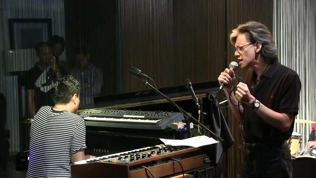 LLw ft. Fariz RM - Sleeping Beauty @ Mostly Jazz 07/09/12 ...