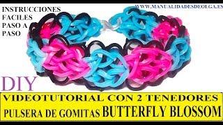 Repeat youtube video COMO HACER PULSERA DE GOMITAS BUTTERFLY BLOSSOM CON DOS TENEDORES. VIDETUTORIAL DIY.