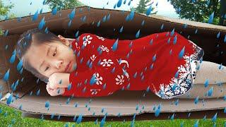 갑자기 비가 오면 어떡하지?!! 서은이의 야외 비피하기 종이박스 놀이터 캠핑 아이스크림 장난감 How to Avoid Rain Seoeun Story