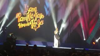 vice ganda centers jokes on change is coming at abs cbn christmas special
