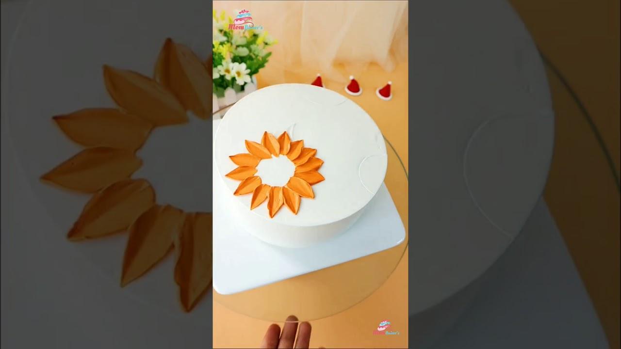 Birthday Cake Design Ideas | Mom Bakers Cake Decoration | #Shorts