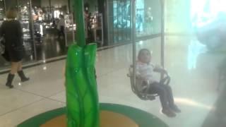 Торговый центр в Аликанте Plaza Mar 2 -игровые зоны(Торговый центр Аликанте Испания. Детские развлечения.Этот ролик обработан в Видеоредакторе YouTube (https://www.youtub..., 2016-01-28T18:32:55.000Z)
