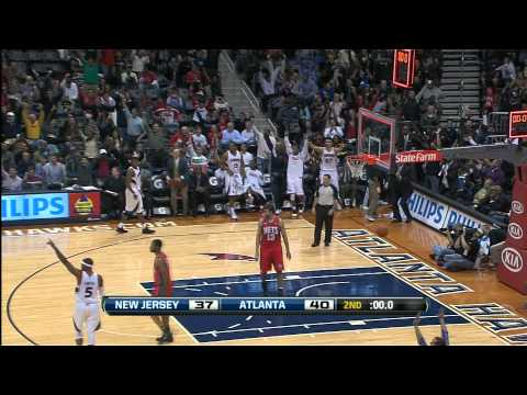 Marvin Williams Hits From Half-Court