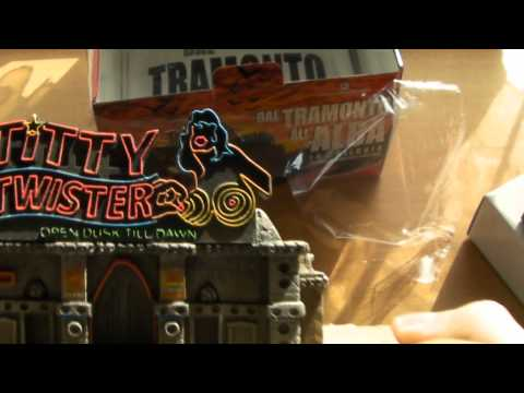 ·• Watch Full Twister (Limited Edition Collector's Set)
