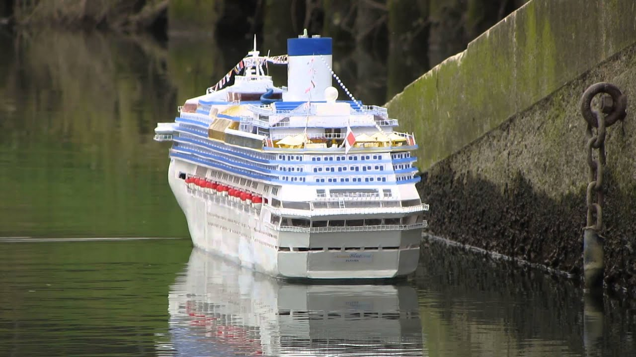 Premier Blue Coral Docking Rc Cruise Ship Youtube