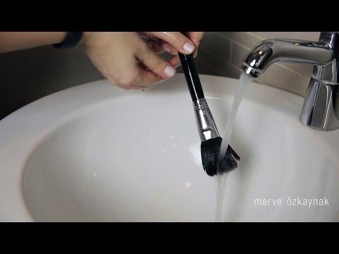 Makyaj Fırça Temizliği