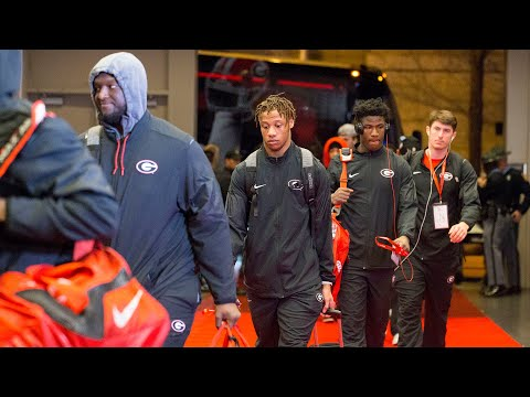 VIDEO - Watch as UGA and ALABAMA arrive for the National Championship