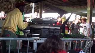 jah youth sound system (live reggaebus 2014)