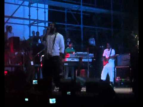 Kymani Marley-Intro & Roots, Rock, Reggae- Live in Vanuatu