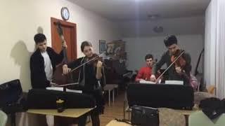 Красивая игра на инструментах...... рождественская мелодия
