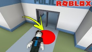 attempt to kill my stranger STALKER in ROBLOX 😰