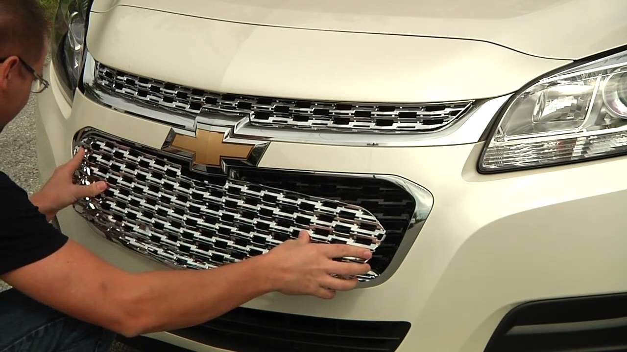 2014 2015 Chevy Malibu Outfitied With Chrome Grille