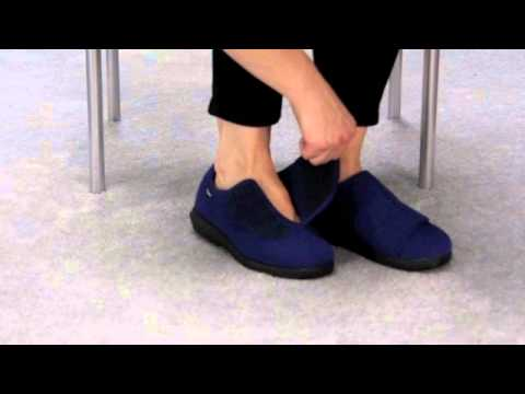 a85356484ba1 Propet W0206 Cush n Foot Wide Opening Slipper - YouTube