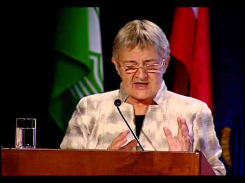 Dr. Marilyn Waring addresses Zontians at Zonta International's 2014 Convention