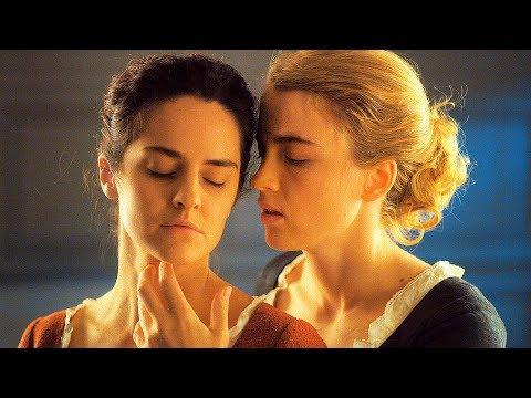 Лесбийский Поцелуй Моники Кина И Бобби Сью Лютер – Ночь Демонов (2009)